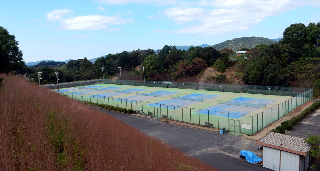 かわべテニス公園人口芝張替工事
