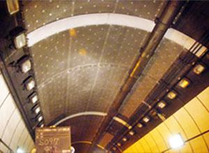 トンネル(剥落防止)施工